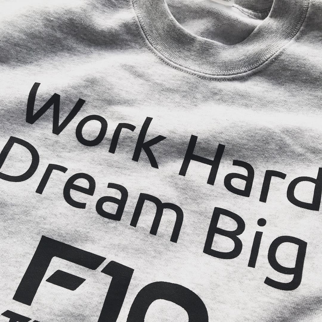camiseta con mensaje.JPG